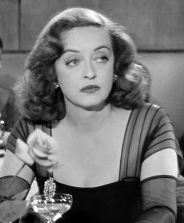 800px-Bette_Davis_in_All_About_Eve_trailer